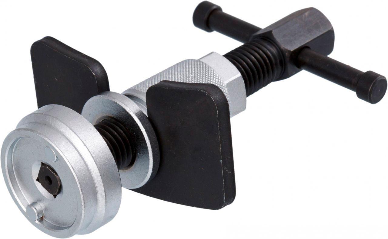 Приспособление для утапливания тормозных цилиндров